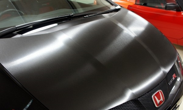 FN2R-BR212-Brushed-Aluminium-Vinyl-Wrap-600×400